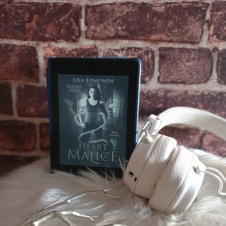 Heart of Malice (Alice Worth, Englisch)